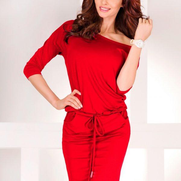 Krásné výrazně červené šaty s ¾ rukávem