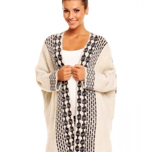 Krásný krémový svetr s modním vzorem