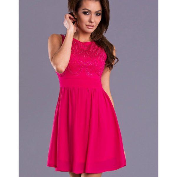 Stylové růžové šaty s nařasenou sukní