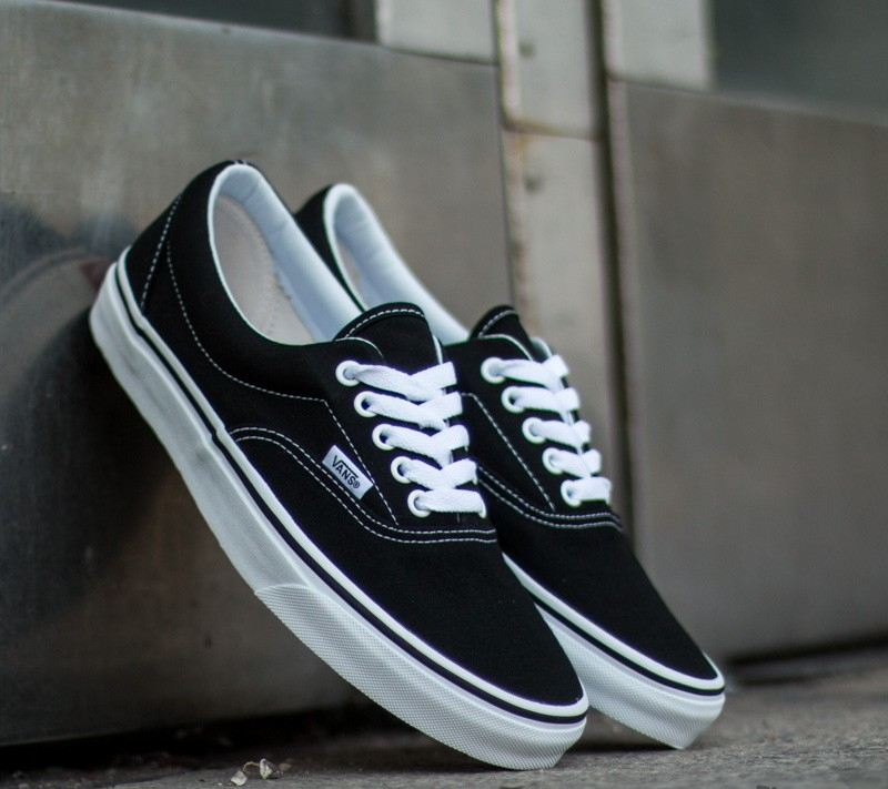 00c31ad84b9 Vans Era Black
