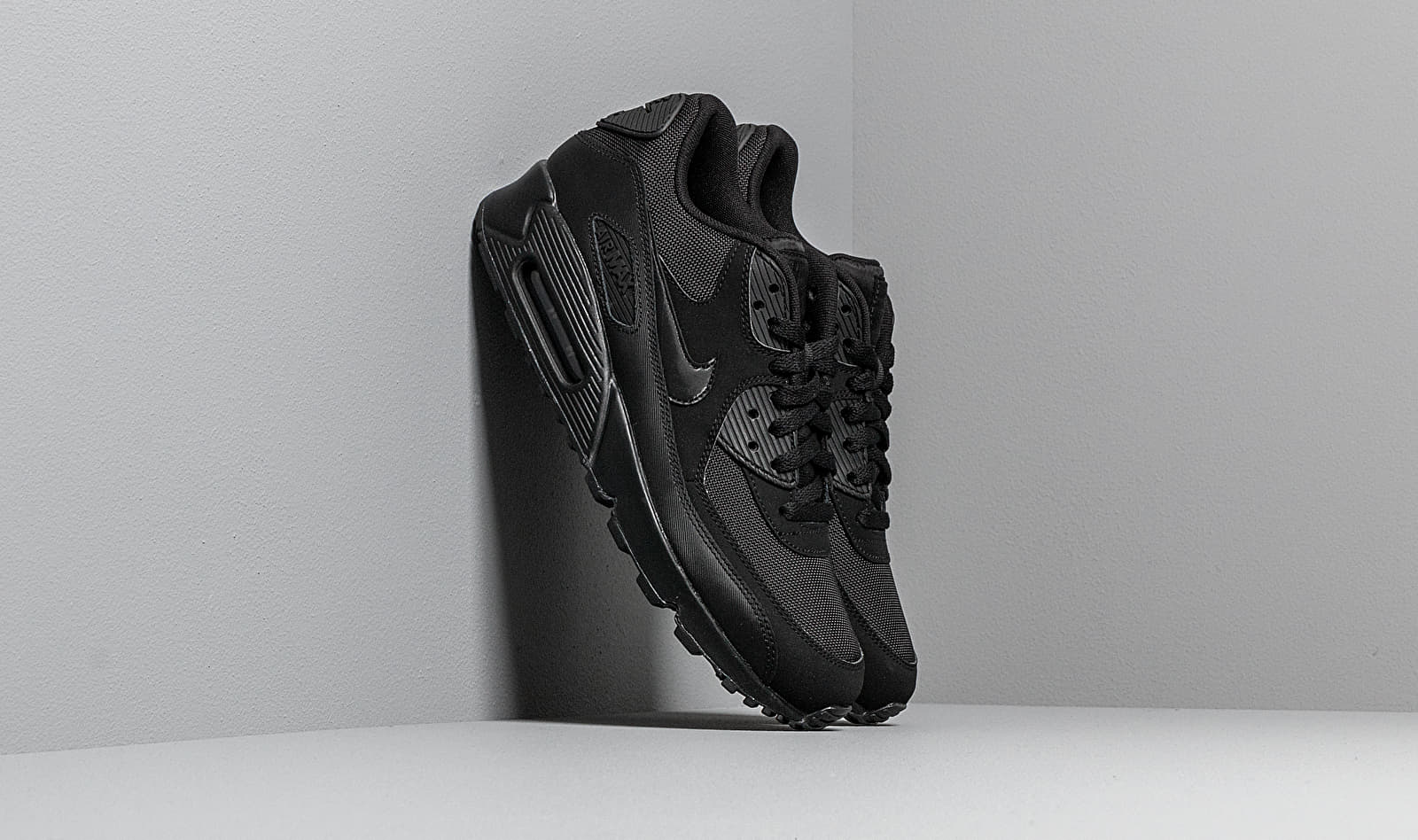 Nike Air Max 90 Essential Black/ Black-Black-Black 537384-090