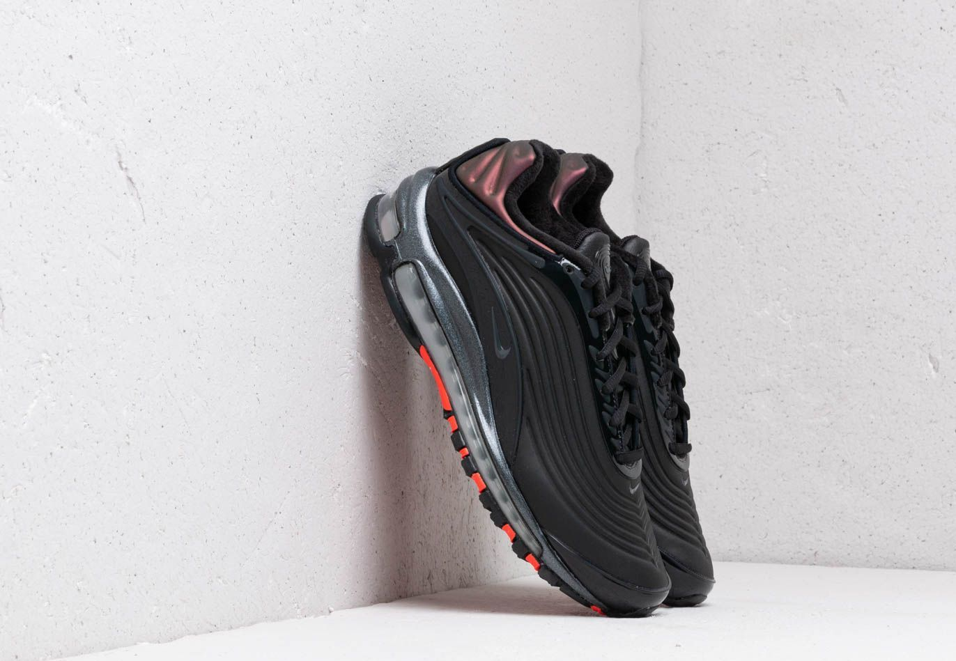 Nike Air Max Deluxe Se Black/ Anthracite-Bright Crimson AO8284-001
