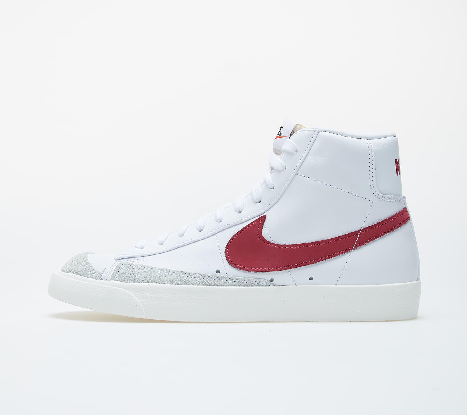 Nike Blazer Mid '77 Vntg White/ Worn Brick-Sail BQ6806-102