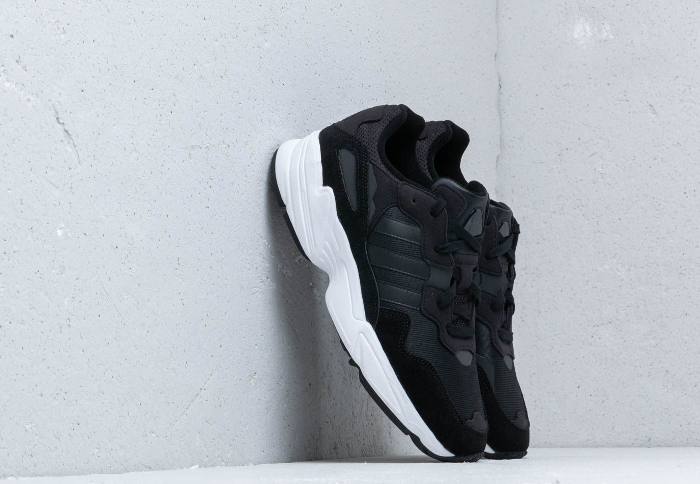 adidas Yung-96 Core Black/ Core Black/ Crystal White EE3681
