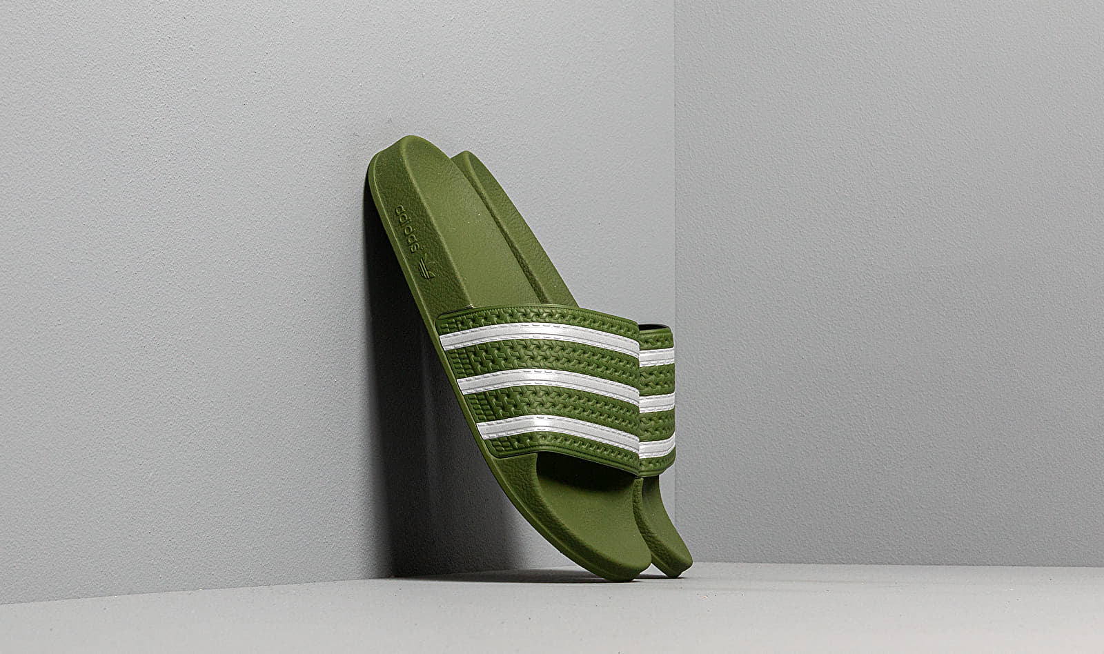 adidas Adilette Tech Olive/ Ftw White/ Tech Olive EE6183