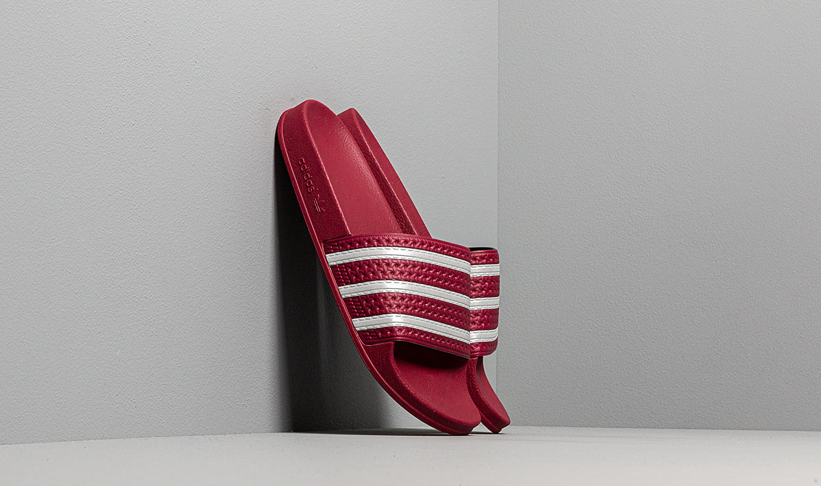adidas Adilette Core Burgundy/ Ftw White/ Core Burgundy EE6184