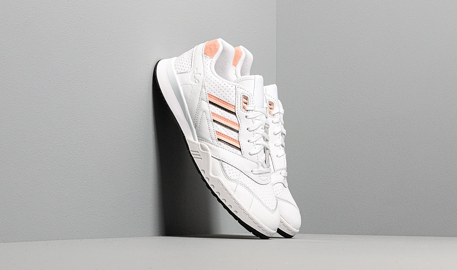 adidas A.R. Trainer Ftw White/ Glow Pink/ Core Black EE5398