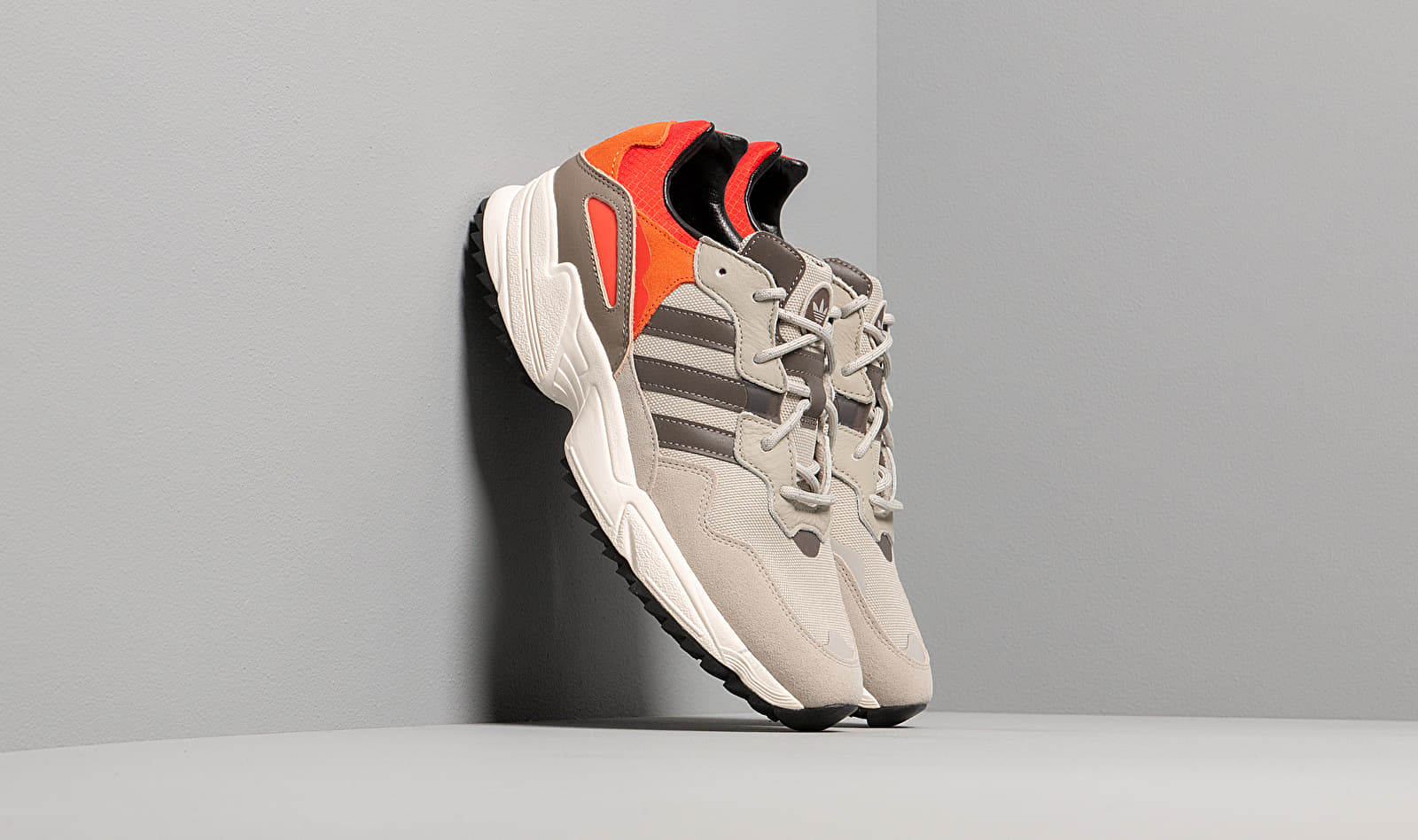 adidas Yung-96 Trail Sesame/ Trace Green Metalic/ Off White EE6668