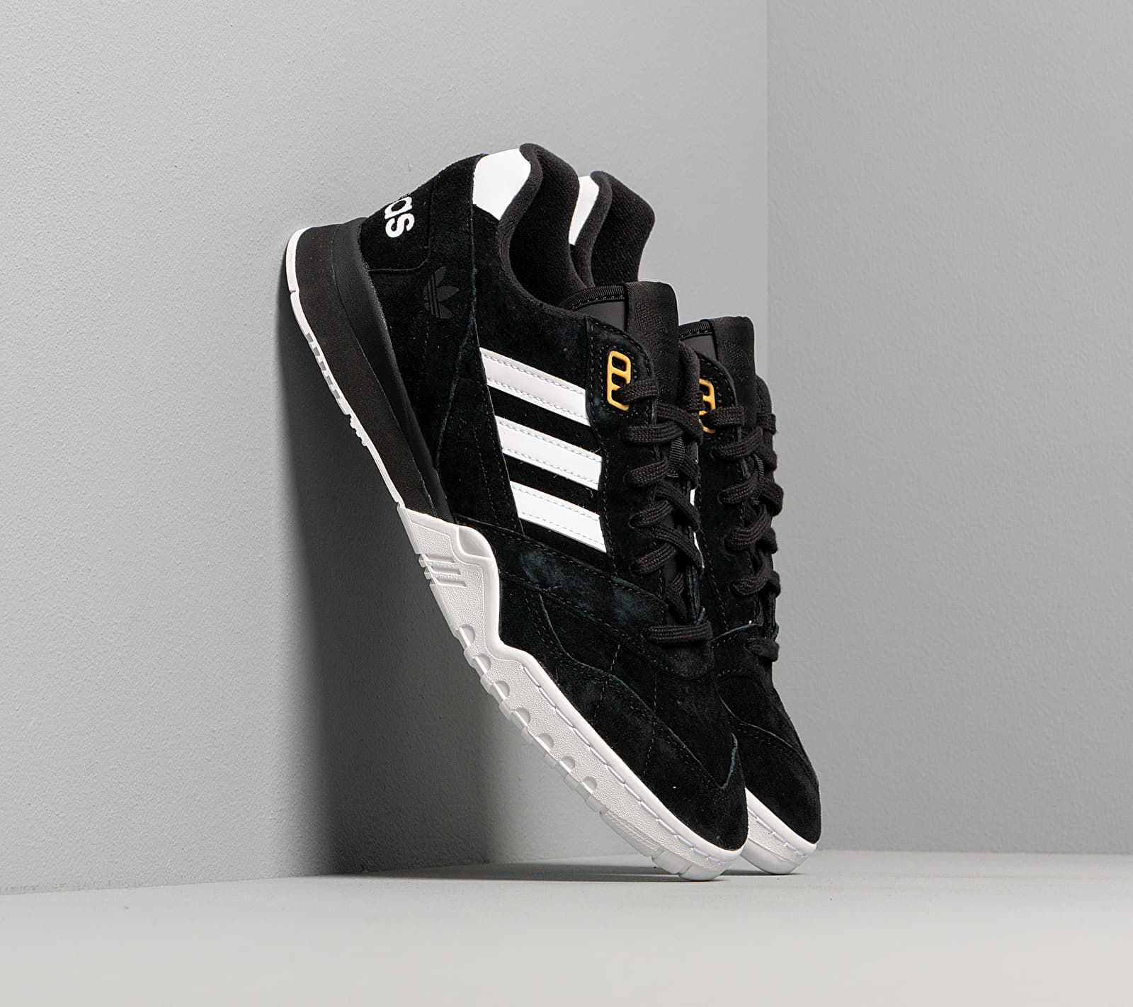 adidas A.R. Trainer Core Black/ Ftw White/ Active Gold EE9393