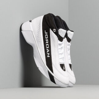 Jordan Team Showcase White/ White-Black-Metallic Silver CD4150-100