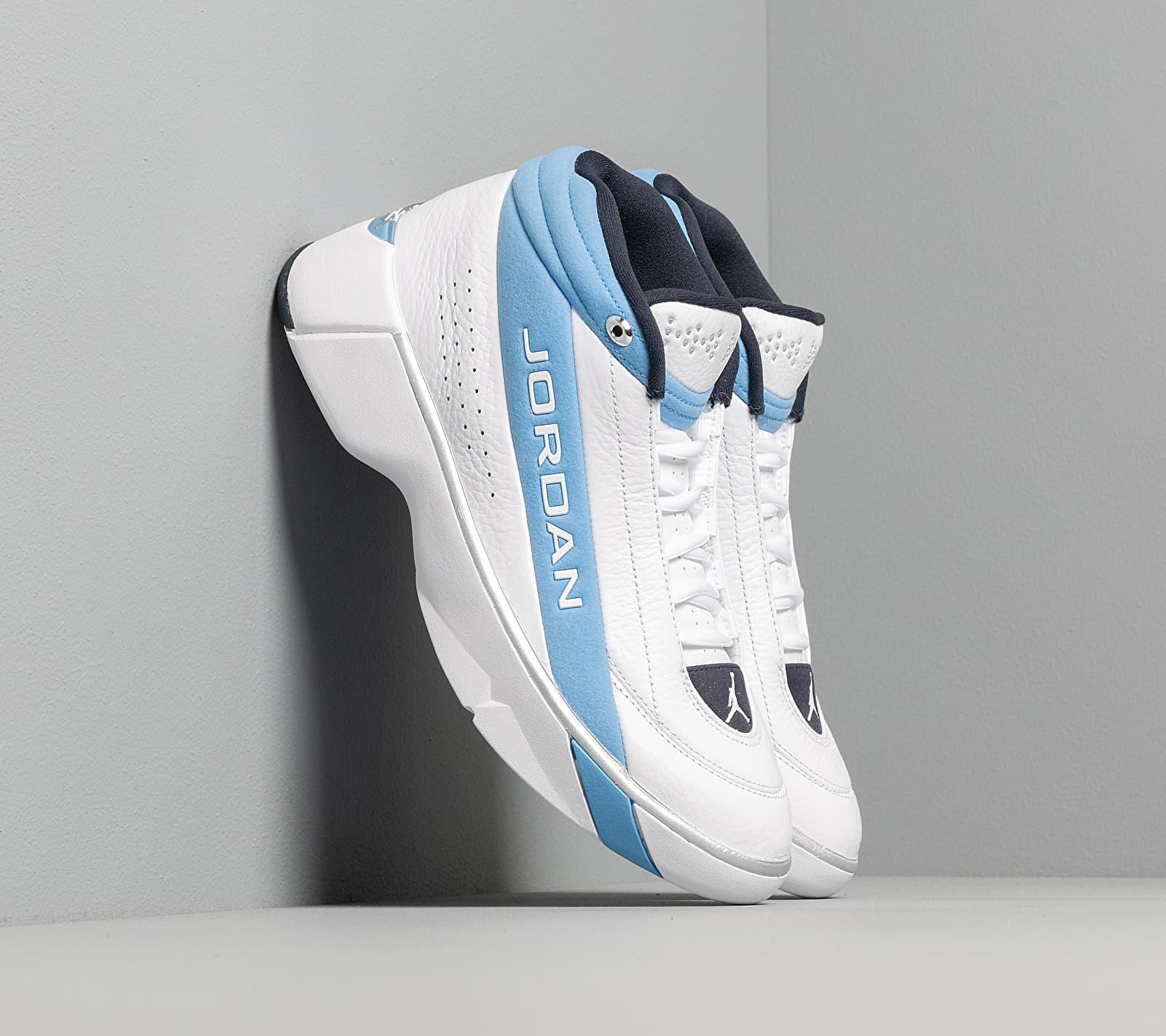 Jordan Team Showcase True White/ True White-Legend Blue CD4150-104