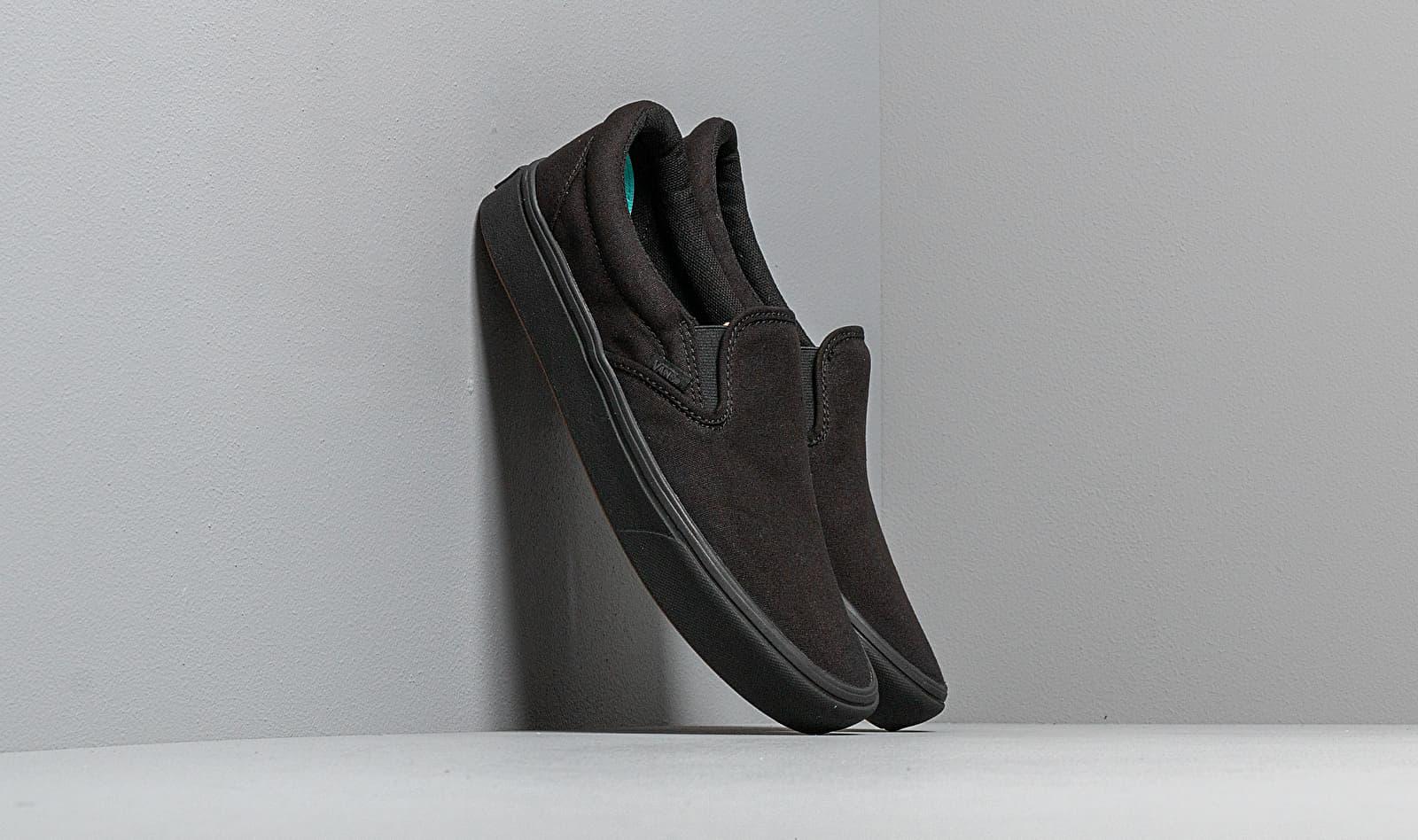 Vans ComfyCush Slip-On (Classic) Black/ Black VN0A3WMDVND1