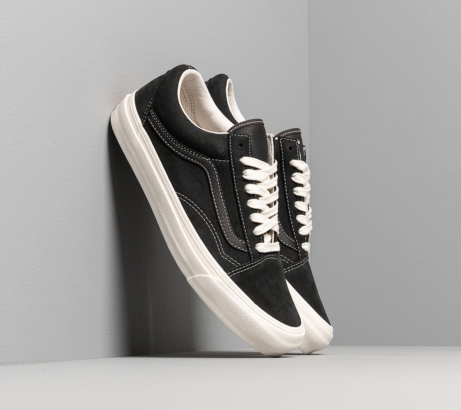 Vans OG Old Skool LX (Nubuck/ Leather) Raven/ Black VN0A4P3XTGJ1