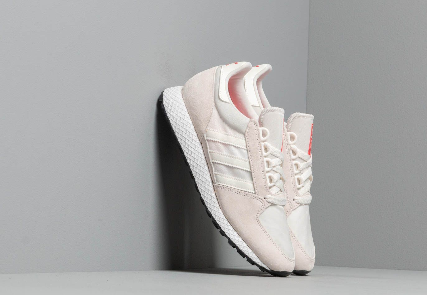 adidas Forest Grove W Cloud White/ Cloud White/ Shock Red CM8418