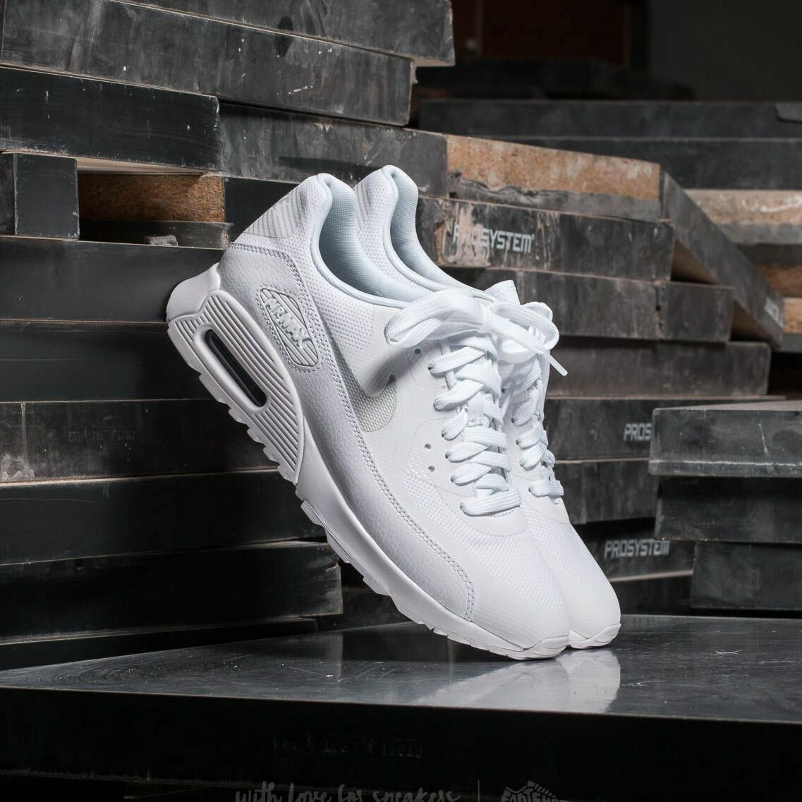 Nike Wmns Air Max 90 Ultra 2.0 White/ Metallic Platinum-White 881106-101