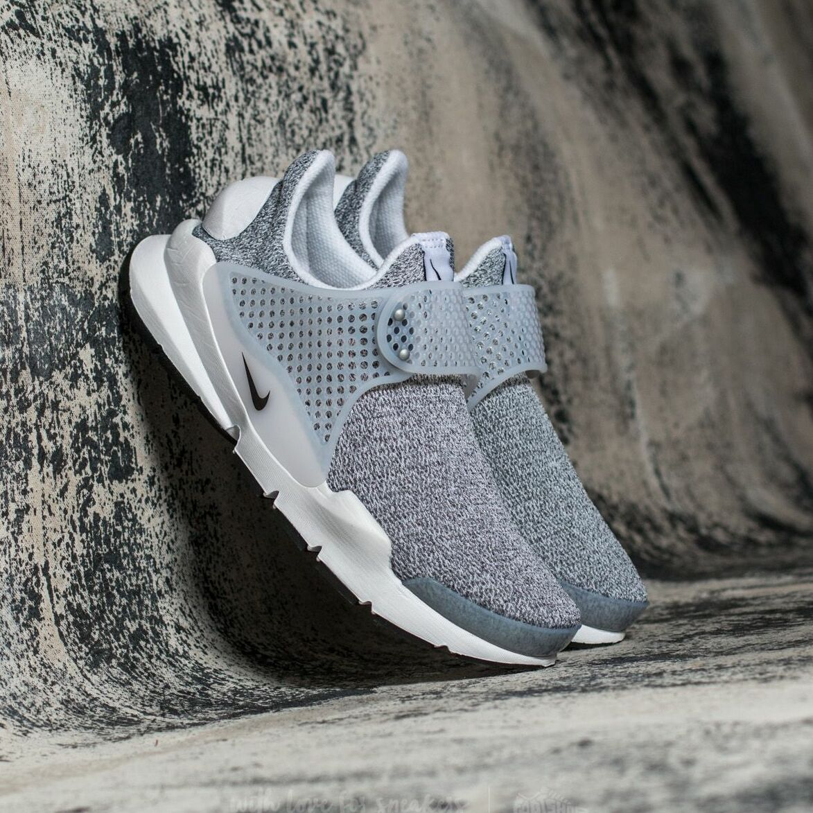 Nike Wmns Sock Dart SE White/ Black-Metro Grey 862412-100