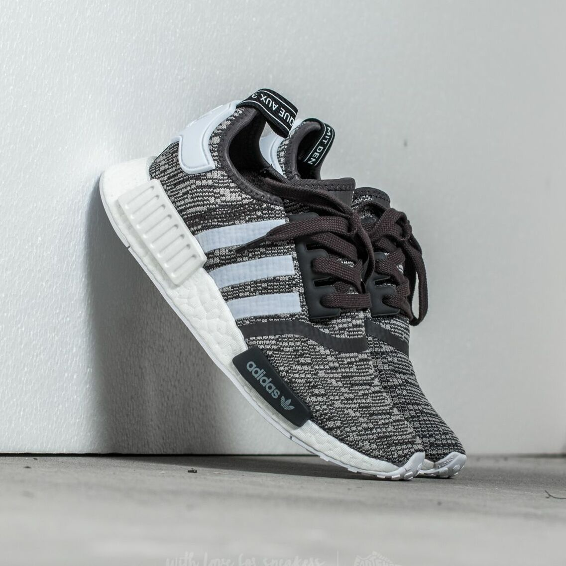 adidas NMD_R1 W  Utility Black /Ftw White/ Medium Grey Heather Solid Grey BY3035