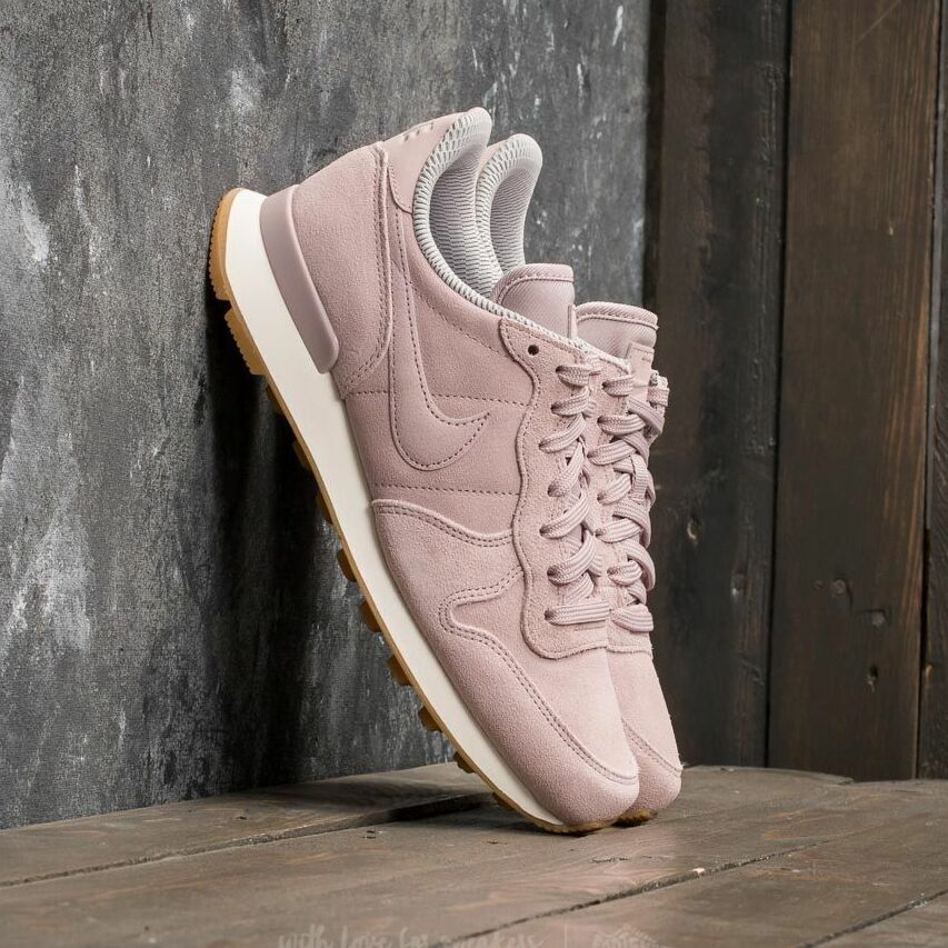 Nike W Internationalist SE Particle Rose/ Particle Rose 872922-602