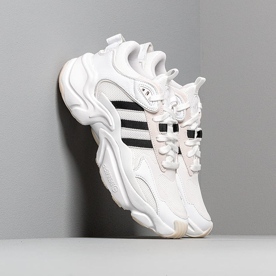 adidas Magmur Runner W Ftw White/ Core Black/ Grey Two EE5139