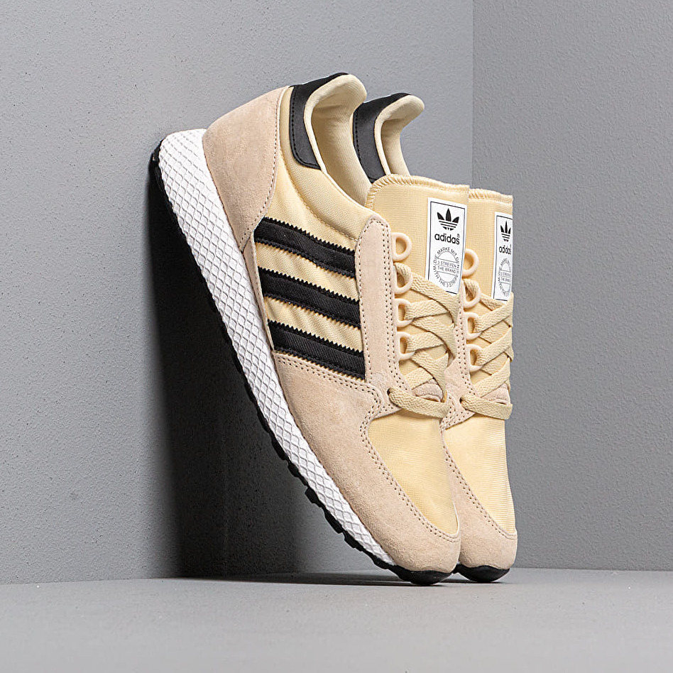 adidas FOREST GROVE Easy Yellow/ Core Black/ Ftw White CG6137